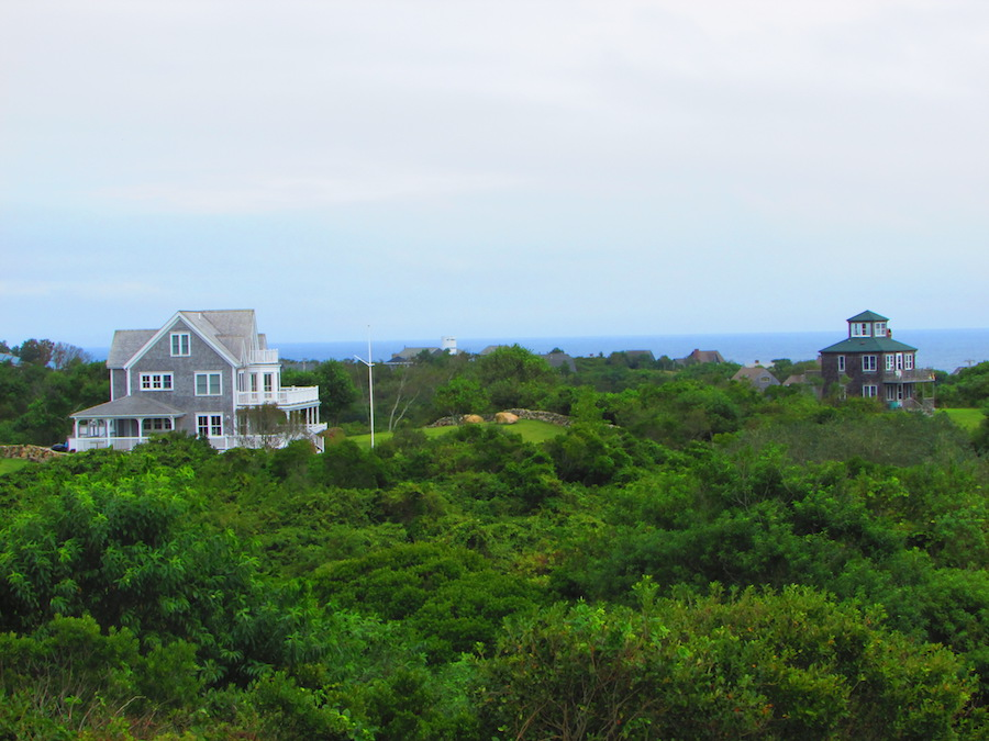 Spectactular home on Block Island overlooking the ocean